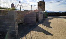 Receptáculos para albergar los antiguos contenedores en Valdelagua.