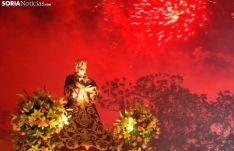 Una imagen de la Bajada de Jesús, en Almazán, caracterizada por su gran despliegue pirotécnico. /SN