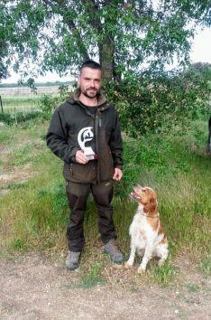 Foto 2 - El soriano Carlos Izquierdo y su perro Pol estarán en el Campeonato de España de Caza