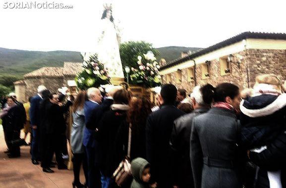 Imagen del comienzo de la procesión desde la ermita. /SN