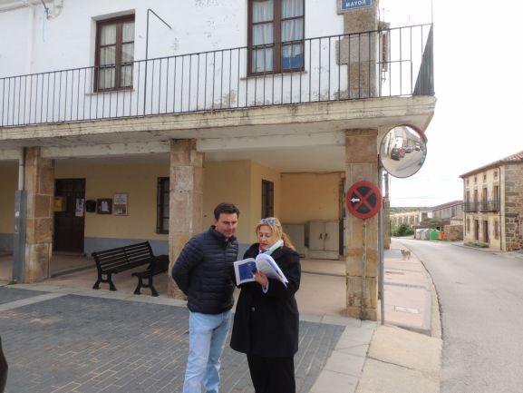 Carlos Castro y Yolanda de Gregorio en Las Casas. PP de Soria