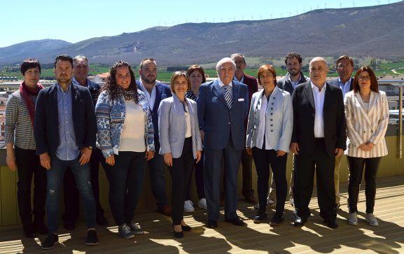 La candidatura del PP para Ólvega, con Emiliano Revilla en el centro.