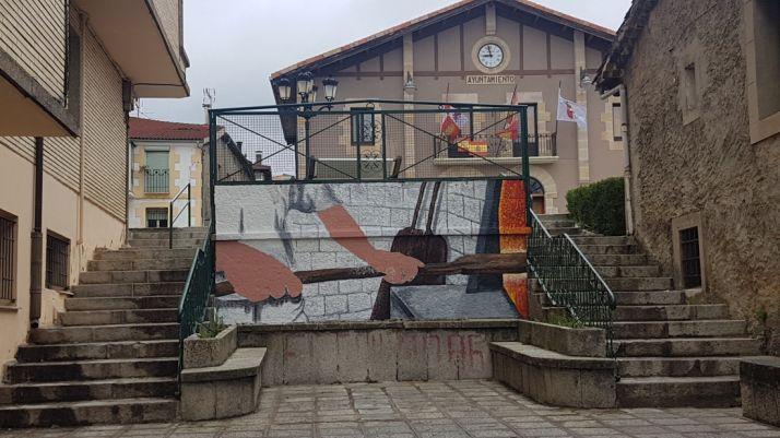 Mural de 'Las manos de la Tierra'