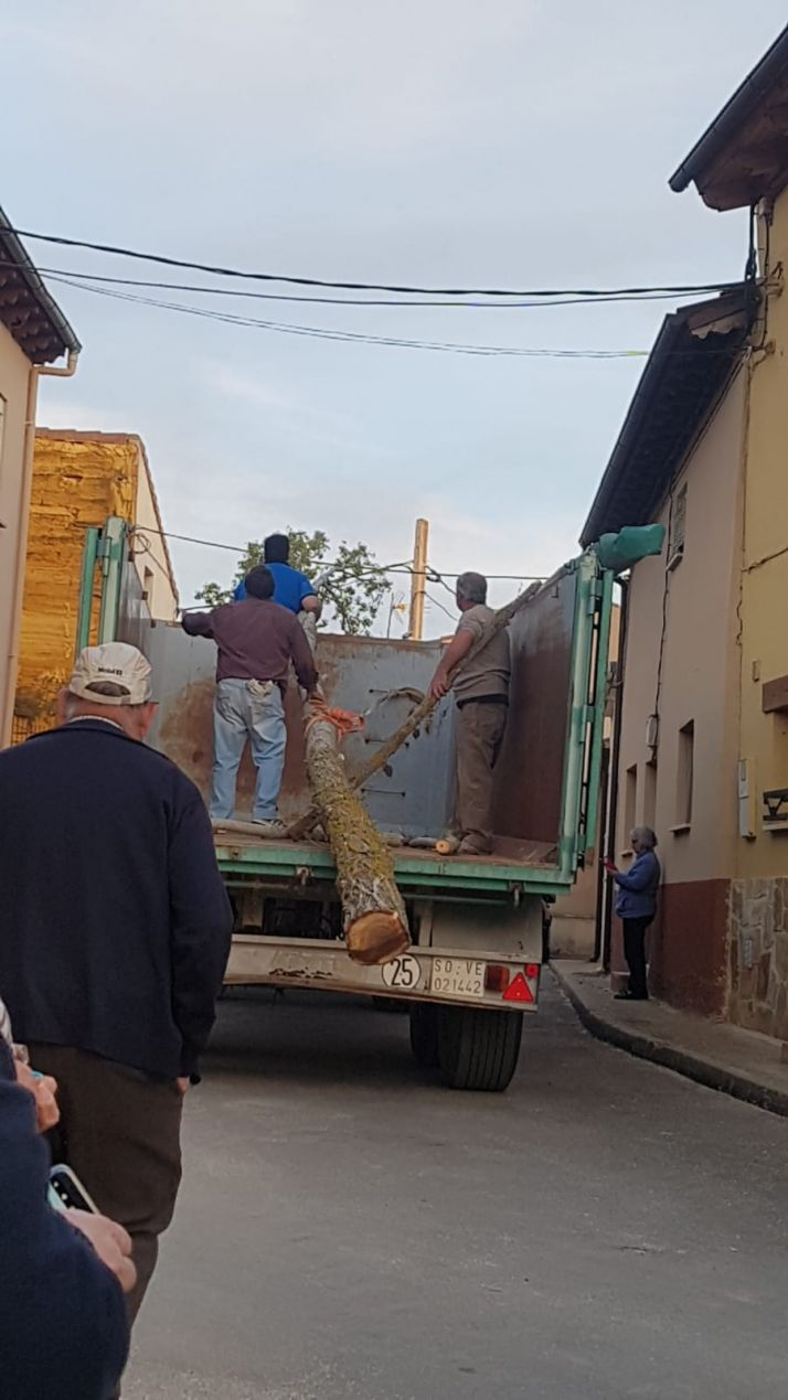 Foto 2 - ¡Arriba el mayo! Fotos y crónica: Quintanilla de Tres Barrios