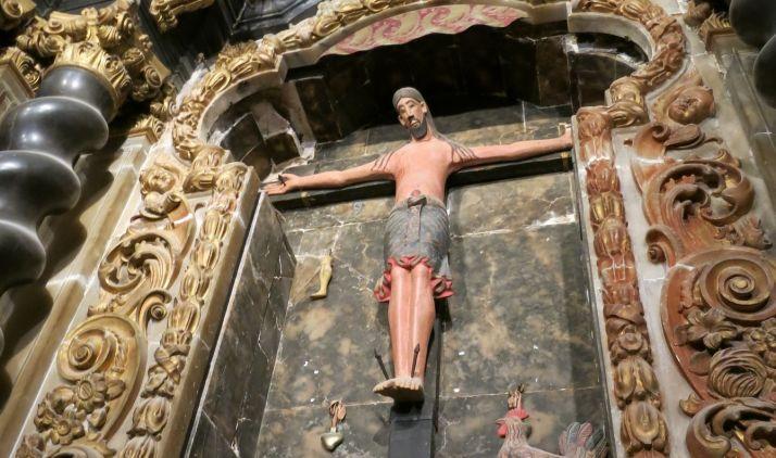retablo de la capilla del Cristo del Milagro, en la catedral de Nuestra Señora de la Asunción.