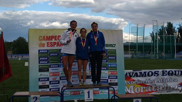 Elisa Hernández, en lo más alto del podio.