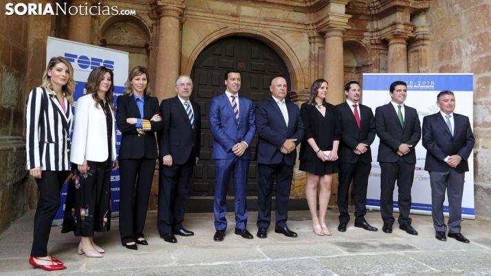 Imagen de los premiados por FOES en 2017.