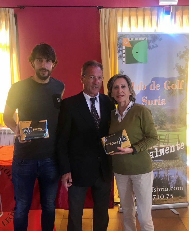 Antonio de Pablo y Gloria Martínez, ganadores del IV Campeonato Regional de Golf