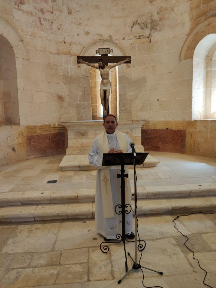 Una imagen del acto de apertura y bendición de la ermita. /DOS