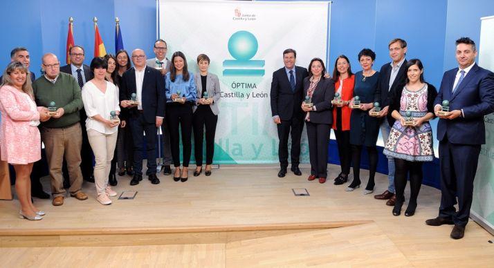 Foto 1 - 84 empresas y entidades de CyL tienen ya el distintivo ÓPTIMA por sus medidas de igualdad de oportunidades entre hombres y mujeres y de conciliación laboral