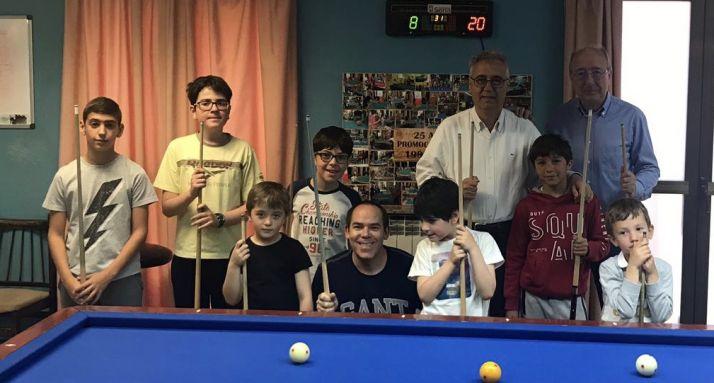 Participantes en la escuela de billar del Casino. /CAN