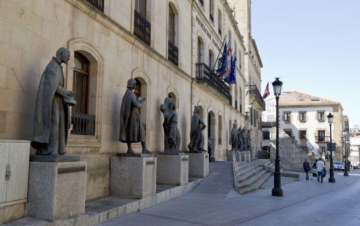Foto 1 - La Diputación concede en lo que va de año 93 ayudas de urgencia social por más de 42.000 euros