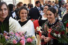 Una imagen de la ofrenda floral a la Virgen de los Milagros. /I. Grijalbo