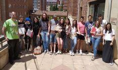 Jóvenes participantes en el último curso formativo de la Cámara en su clausura, este martes. /CCS