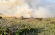 El fuego forestal en Cueva de Ágreda este lunes. /SN