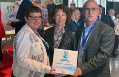 Foto 2 - La Junta premia al IES Machado por su compromiso con la sostenibilidad