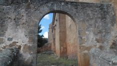 Escalinata de la iglesia de Valdegeña.