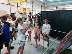 Foto 6 - 111 alumnos descubren la FP del Pico Frentes donde se aprende haciendo