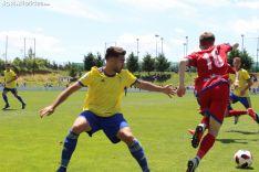 El Cádiz B rasca un empate en Soria ante un Numancia B que propuso más. SN