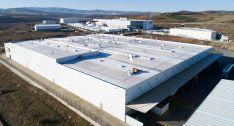 Vista aérea de la factoría tras las obras en su cubierta. /Silka