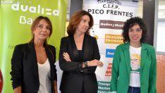 Rodríguez (izda.), Fernández y Ceña este viernes en el Pico Frentes. /SN