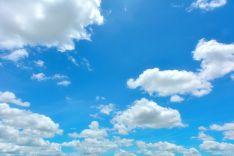 Nubes en el cielo. Imagen de archivo