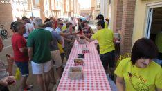 Los vecinos recogen su tajada cocida en las 12 Cuadrillas