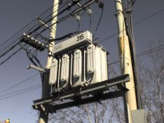 Transformador de energía eléctrica.