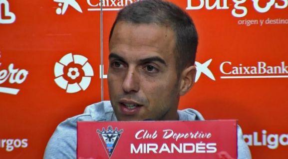 Borja Jiménez, entrenador del Mirandés, en rueda de prensa. CD Mirandés