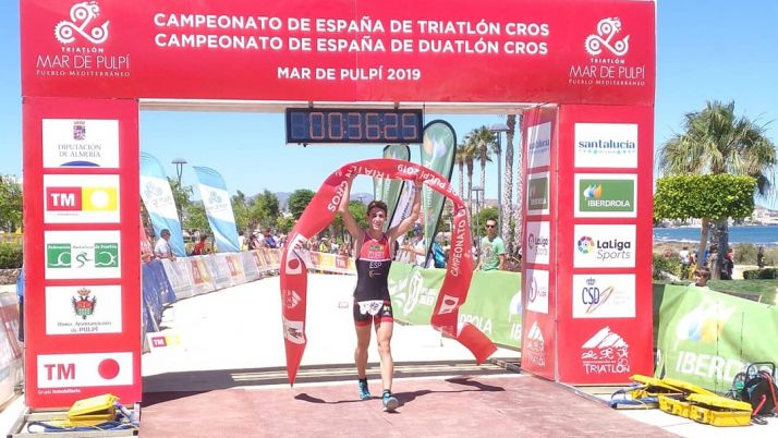 Foto 1 - Alfonso Izquierdo, campeón junior masculino de España en el Campeonato de Triatlon Cros