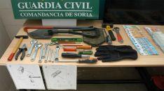 Material y dinero intervenidos en la operación. /GC