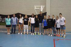 Foto 3 - Castellanas y Torreznas, ganadoras del I Torneo de Fútbol Sala Femenino San José