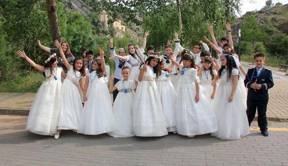 Los comulgantes, en su fiesta cerca de San Saturio.