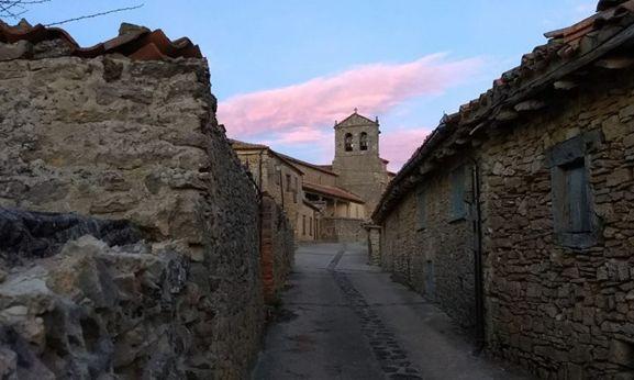Una de las calles de La Cuenca. /Teresa Simón