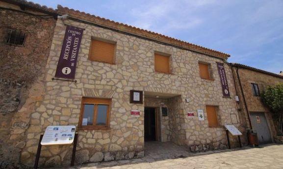 Oficina de turismo en Medinaceli, que alberga el centro de recepción de visitantes.