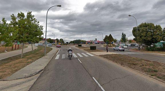 Una de las calles principales del polígono Las Casas. /SN