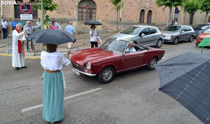 Una imagen de la bendición de vehículos este domingo en la capital. /SN