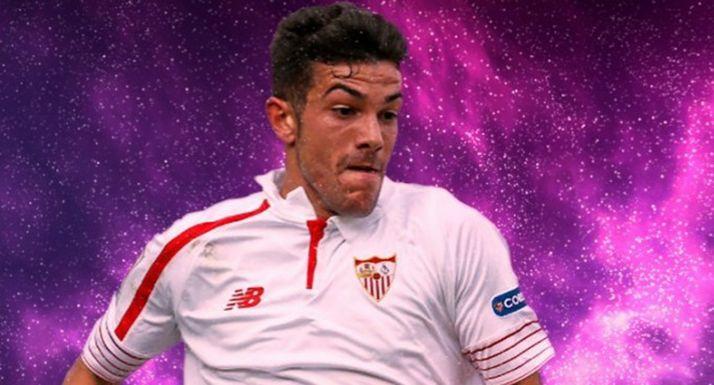 Curro Sánchez con la camiseta del Sevilla.