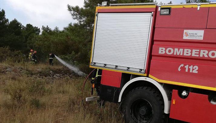 Bomberos de Soria en el incendio de Fuensaúco (Renieblas). /Ayto.