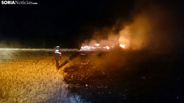 Imagen de un fuego forestal nocturno ocurrido en la provincia. /SN