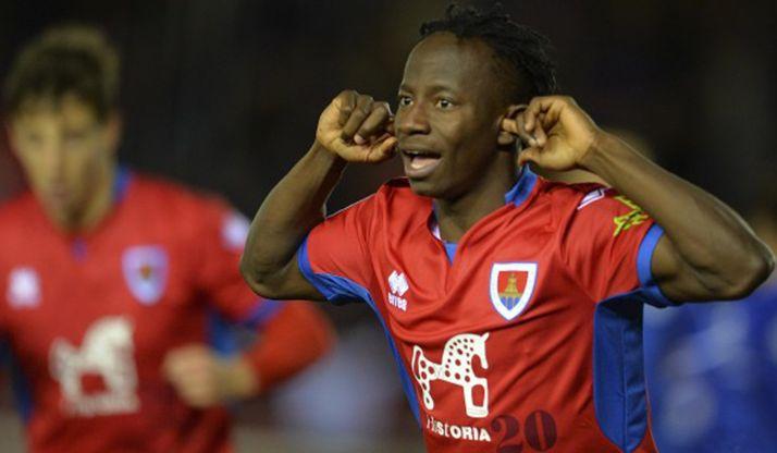 Yaw Yeboah festeja un gol con el Numancia. /LFP-CDN
