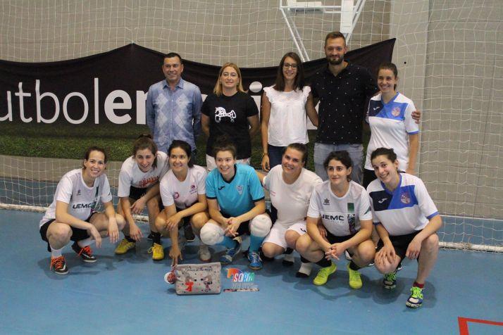 Foto 2 - Castellanas y Torreznas, ganadoras del I Torneo de Fútbol Sala Femenino San José