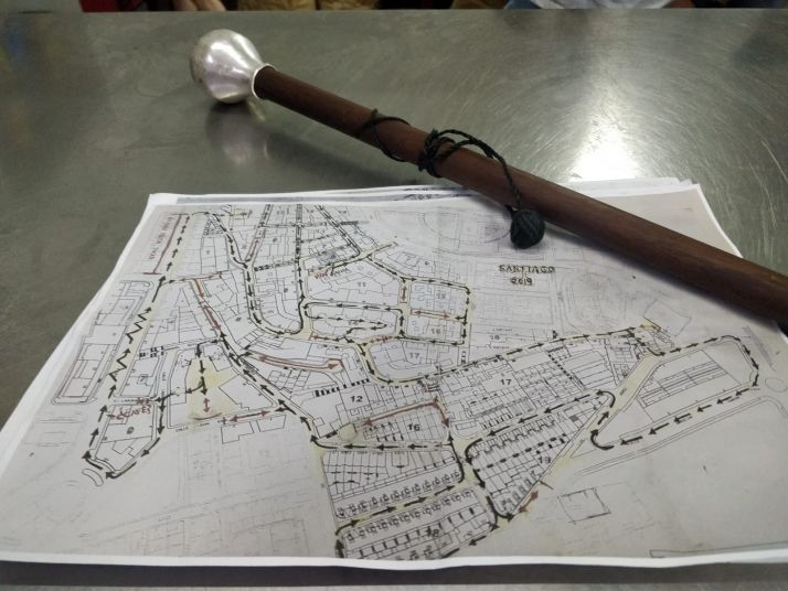 Bastón y plano de la cuadrilla de Santiago. SN