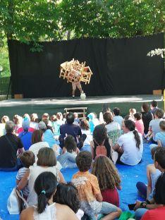 Foto 5 - Galería: teatro de calle con Acrobacia mínima