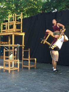 Foto 3 - Galería: teatro de calle con Acrobacia mínima
