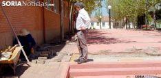 Pavimentando y asfaltando calles en la capital de Soria.