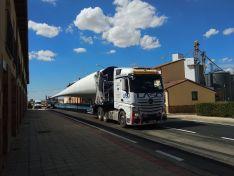 Los camiones, atascados en Almenar. Fotos @AlmenarSoria
