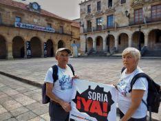 Juan Antonio y Caty realizan la marcha lenta a Aranda andando