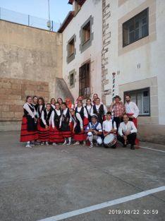 El Grupo de Danzantes de Valdeavellano, en Villar del Ala