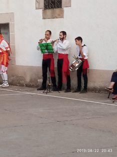 Foto 4 - El Grupo de Danzantes de Valdeavellano, en Villar del Ala